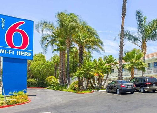 Motel6 Front Feature 500x360